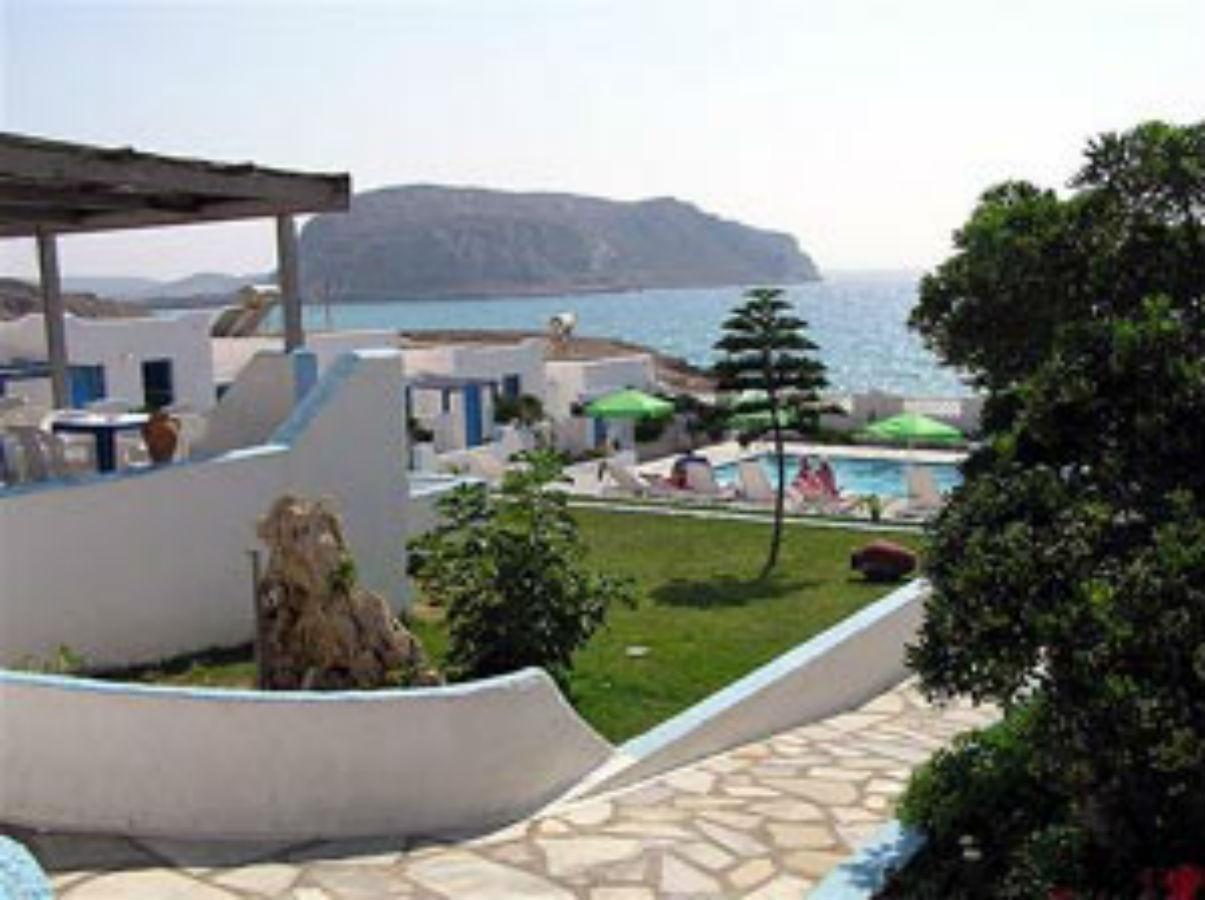 Uitzicht vanuit tuin Eleni