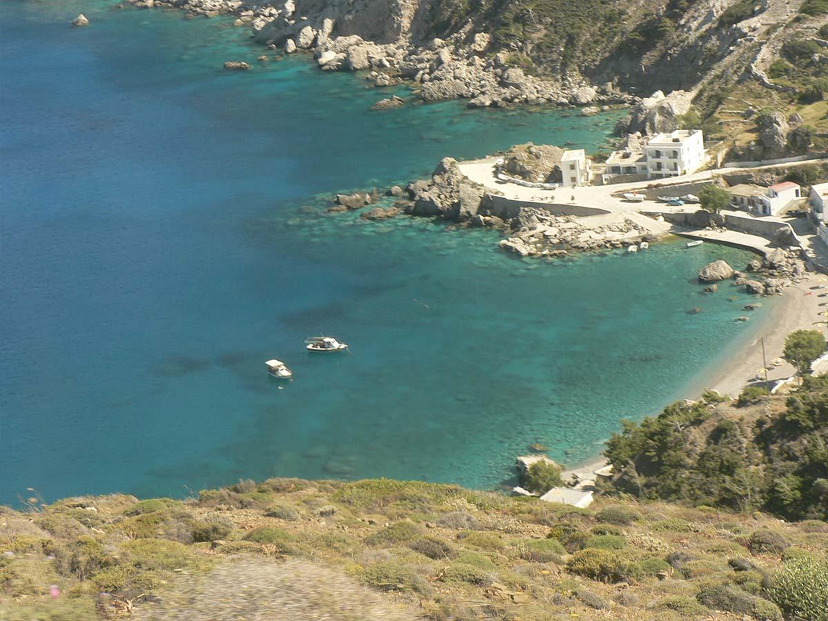 vissersdorpje Finiki op loopafstand van Eleni