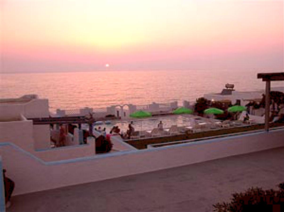 zonsondergang vanuit terrassen Eleni